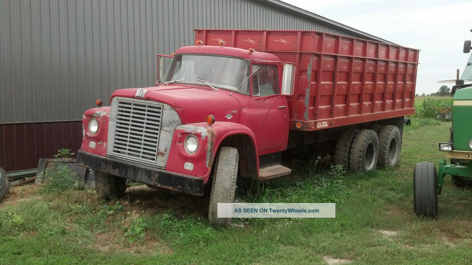 10454 1999 volvo 610 in addition 17902 2008 ford f   550 furthermore 8074 1996 international 4700 likewise 33308 2006 ford e   350 cutaway additionally Mack R series. on semi truck dump trailers specs