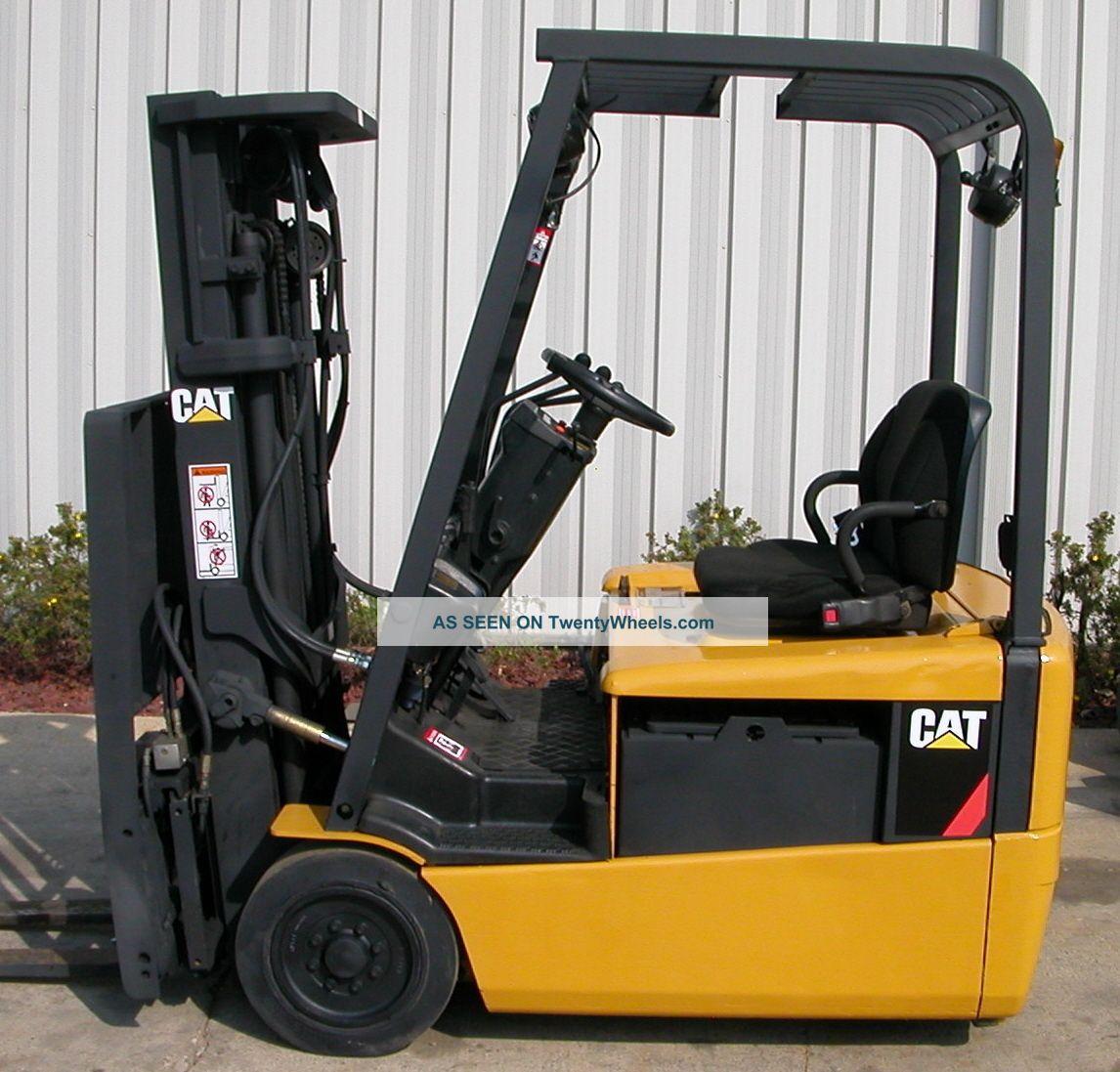 Caterpillar Model Ep16kt (2000) 3000 Lbs Capacity Electric 3 Wheel