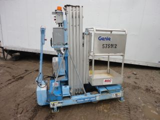 2005 Genie Man Lift Model Iwp - 20s 20ft Platform Height Self Propelled 56043 photo