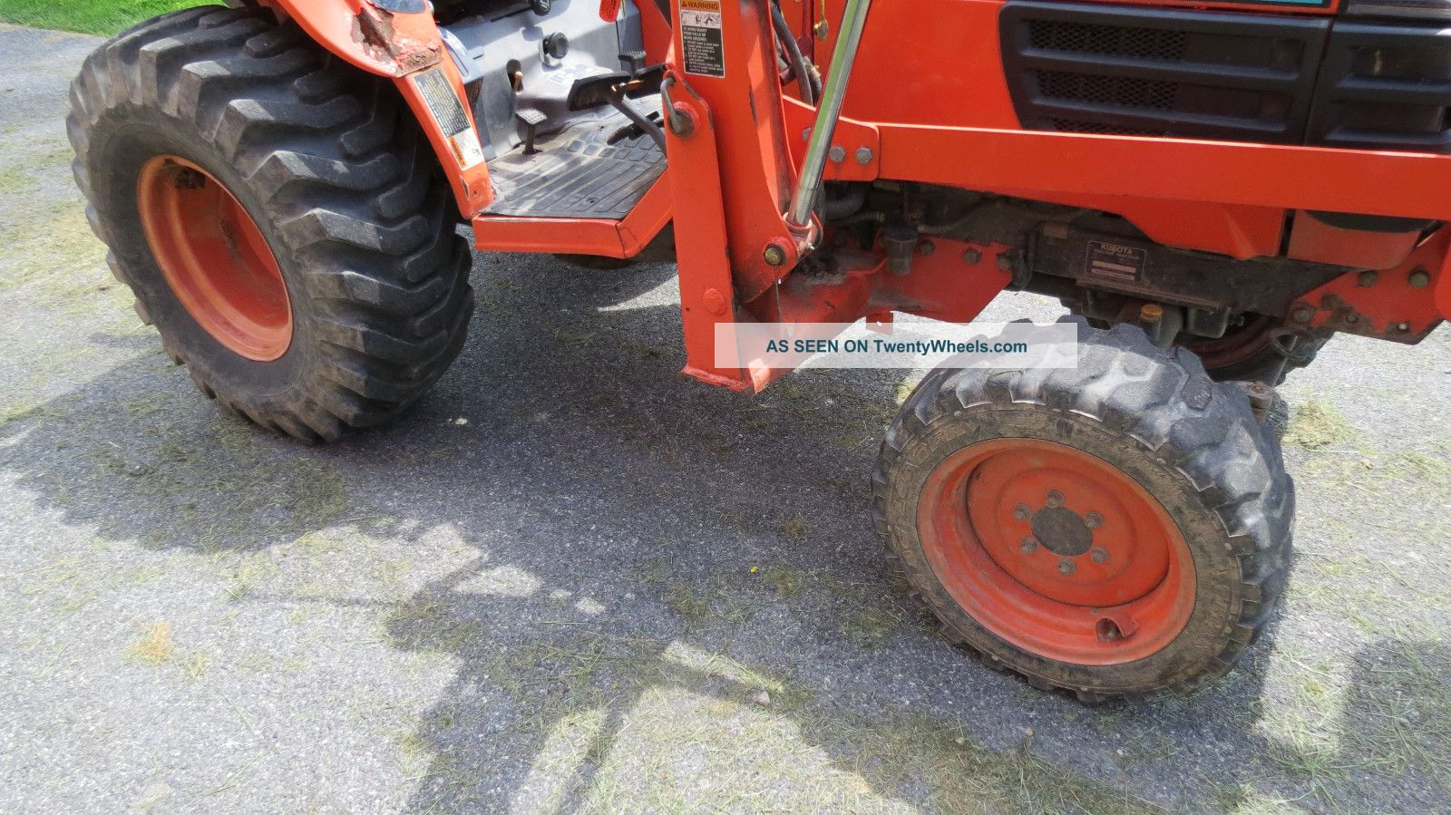 Kubota Tractor Tires And Wheels : Pin hp with a loader on pinterest