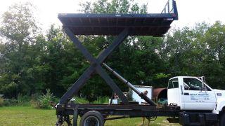 Scissor Truck Lift Tesco Platform Dump Roofing Parkhurst Bed Flatbed photo