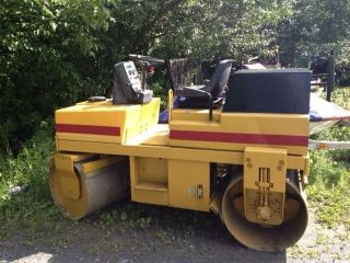 Dynapac Lr 100 Vibratory Roller Compactor, photo