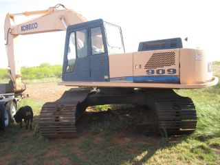 Kobelco 909 Excavator With Allis Chalmers Front End Loader photo
