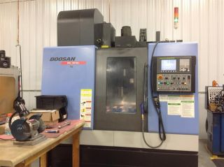 2008 Doosan Mv 3016 Cnc Vertical Machining Center Fanuc 30 Tools Cat 40 8000 Rpm photo
