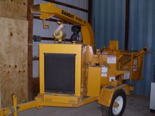 Bandit Model 90 Brush Chipper - Excellent Shape photo