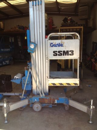 Genie Awp - 30 1 - Man Lift Scissor Boom Skyjack Jlg photo