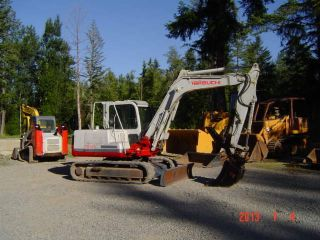 2006 Takeuchi Tb 175 Excavator Q/c Bucket Hyd Thumb photo