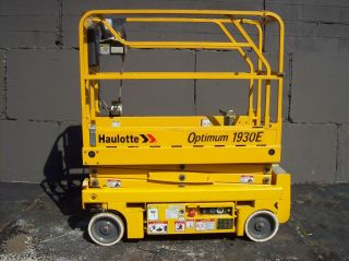 Haulotte Optimum 1930e Electric Scissor Lift photo