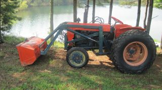 Kubota L210 Tractor With Front End Loader. photo