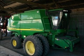 2007 Jd Combine Always Shedded 90% On Paint 95% Tires photo