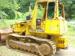 John Deere Crawler Loader photo