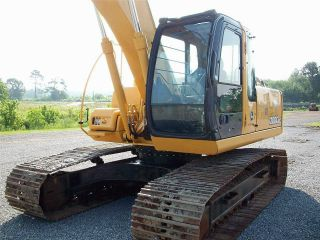 2005 John Deere 200clc Hyd Excavator With Thumb photo