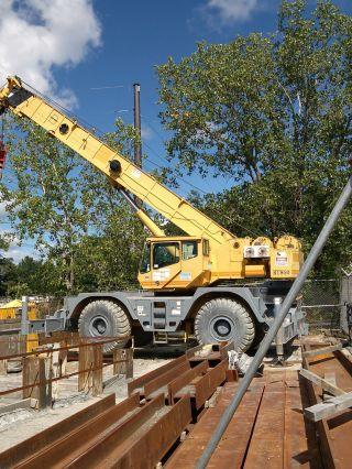 2000 Grove Rt 860 Rough Terrain Crane With 60 Ton Block & Jib photo
