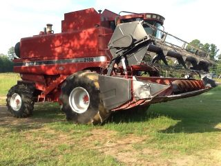 Case Ih 2188 Combine & Header photo
