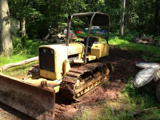 John Deere 350b Diesel Bulldozer. photo