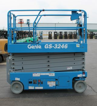 107477 Genie Gs3246 / 32 Foot Platform Height Electric Scissor Lift photo