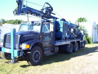 1990 Canterra Ct 350 Mud Rotary Drill Rig photo