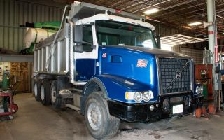 2004 Volvo Vhd Tri - Axle Dump photo