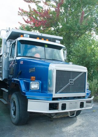 1997 Volvo Acl64b Tri Axle Dump photo