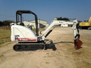 2005 Bobcat 325g Mini Excavator photo