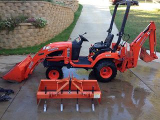 2011 Kubota Bx25 Tractor Loader Backhoe With Box Blade photo