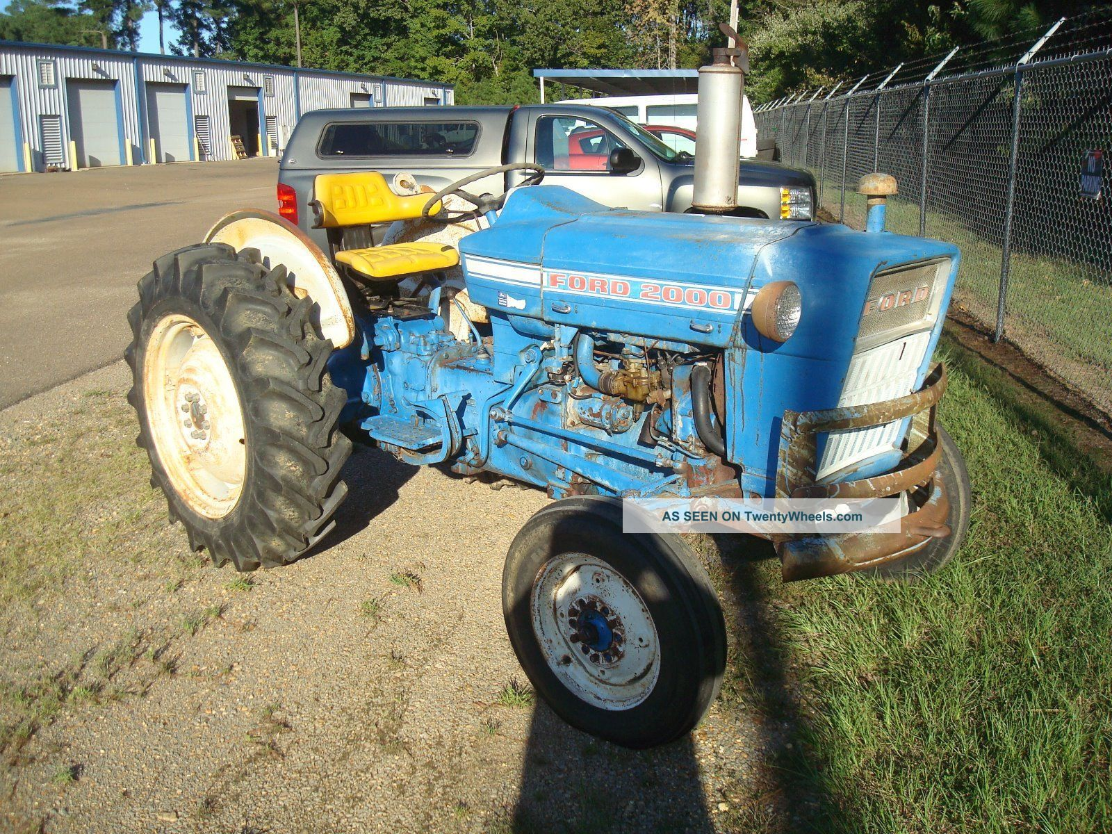 1970 ford 2000 gas tractor very. Black Bedroom Furniture Sets. Home Design Ideas