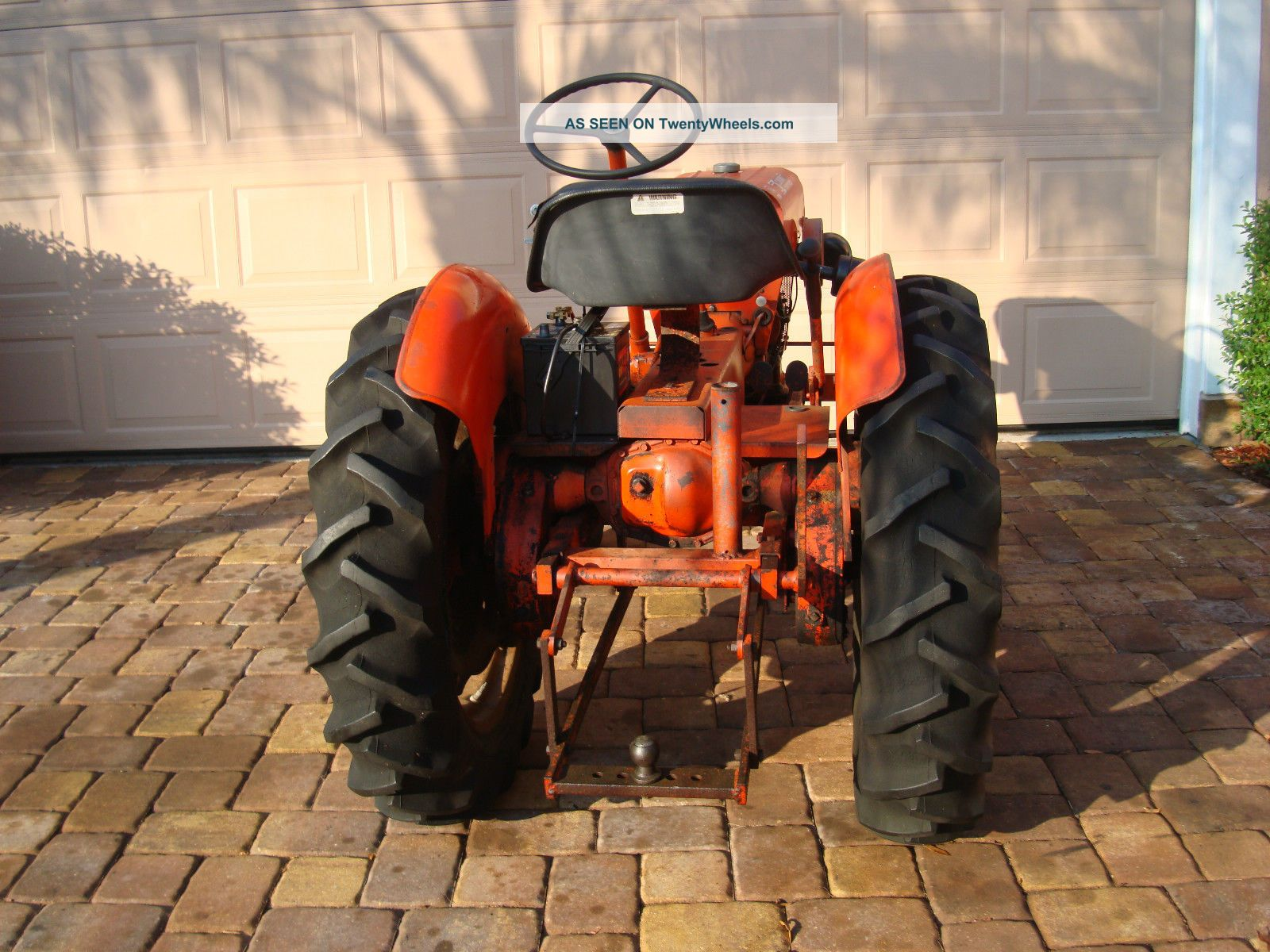 vintage 1972 power king economy tractor