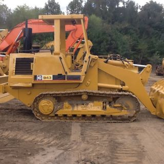 Caterpillar 943 Crawler Loader photo