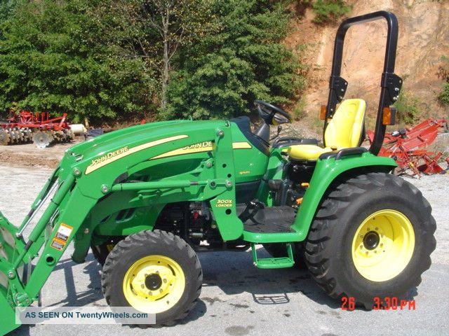 John Deere 3520 4x4 Loader 21 Hours Tractors photo