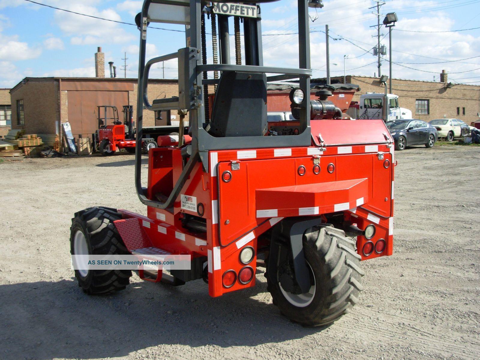 02 Moffett Forklift M5500