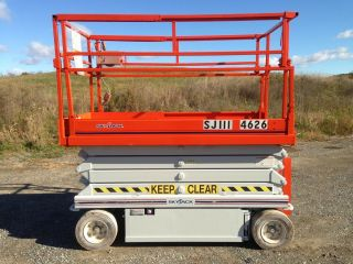 Skyjack Scissor Lift photo
