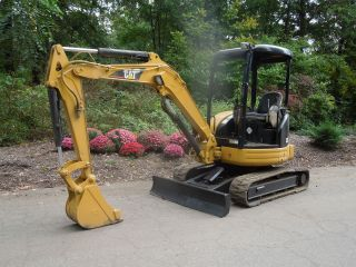 2004 Caterpillar 303cr Mini Excavator W/low Hours photo