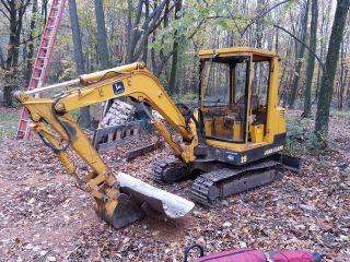John Deere Excavator 25 photo