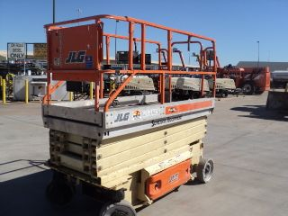 2004 Jlg 2646 Scissor Lift One Owner Well Maintained And Ready To Go photo