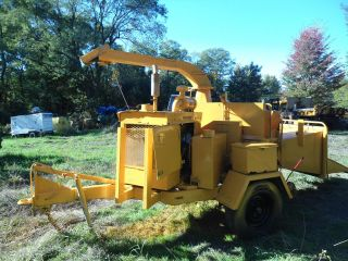 Brush Bandit 200 + Cummins Diesel 12 Inch Wood Chipper 2122 Hours photo