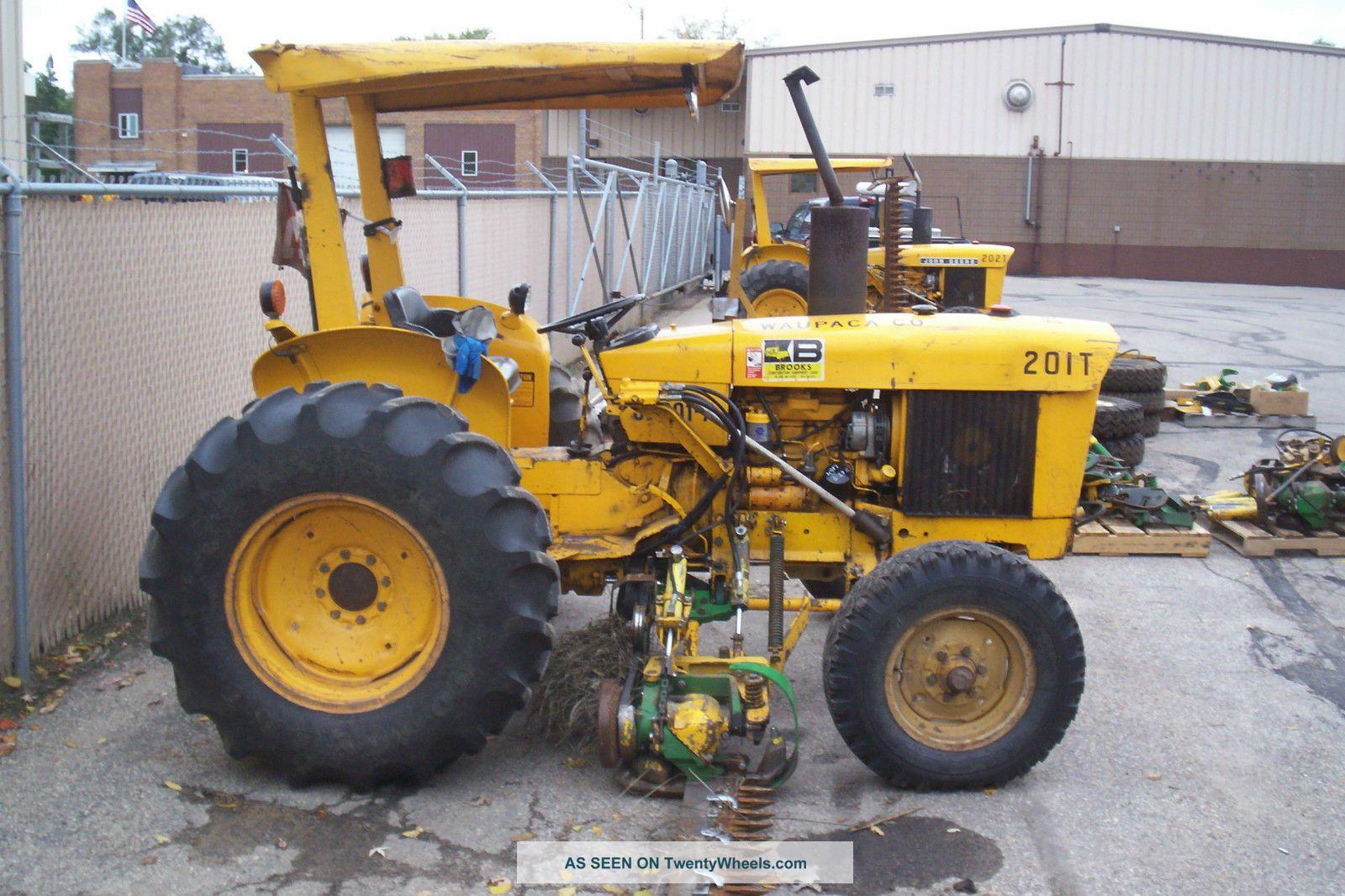 Jd301ad john deere tractor w sickle mower for Sickle mower for garden tractor