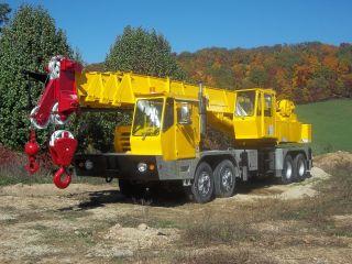 Grove 35 Ton Hydraulic Truck Crane photo