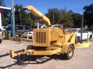 2003 Wood Chuck W/c - 17 Diesel Wood Chipper photo