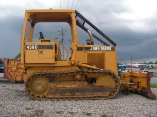 John Deere 450 G Dozer With Winch photo