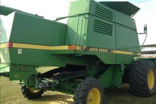 1994 John Deere 9600 Combine With 3190 Hours photo