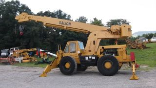 Galion 150a Crane Hydraulic 30,  000 Lbs 15 Ton Outriggers Detroit Diesel Lift photo