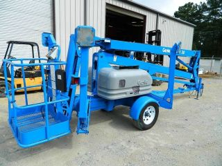 2001 Genie Tmz - 50/30 Electric Trailer Mounted Boom Lift / Honda Engine - photo