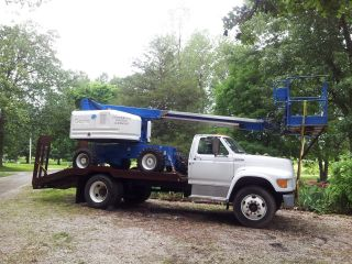 2000 Genie Aerial Lift 45 Foot photo