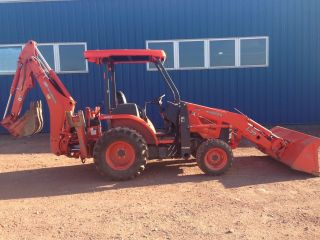 2013 Kubota L39 Tractor Loader Backhoe Only 150 Hours photo