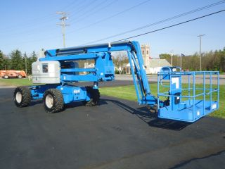 2004 Genie Z60/34 Articulating Boomlift Manlift Man Lift Aerial Platform Boom photo
