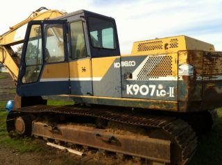 Kobelco K907 Excavator,  Trackhoe (left Track Stuck) photo