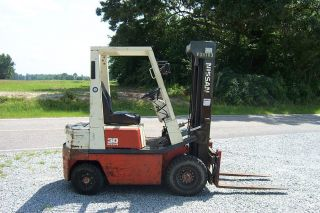1996 Nissan 3000 Lb.  Capacity Forklift photo