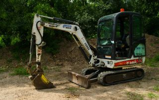 2008 Bobcat 325 2.  5 Ton Mini Excavator With Full Heated Cab. photo