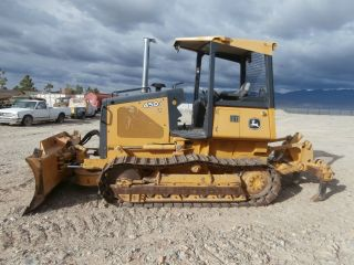 2005 John Deere Dozer photo