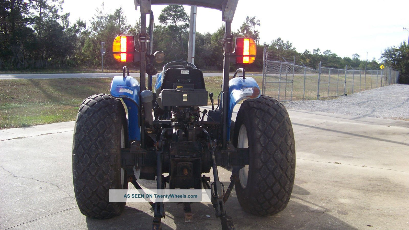 New Holland Tractor Roofs : Holland tn diesel tractor turf tires sun roof